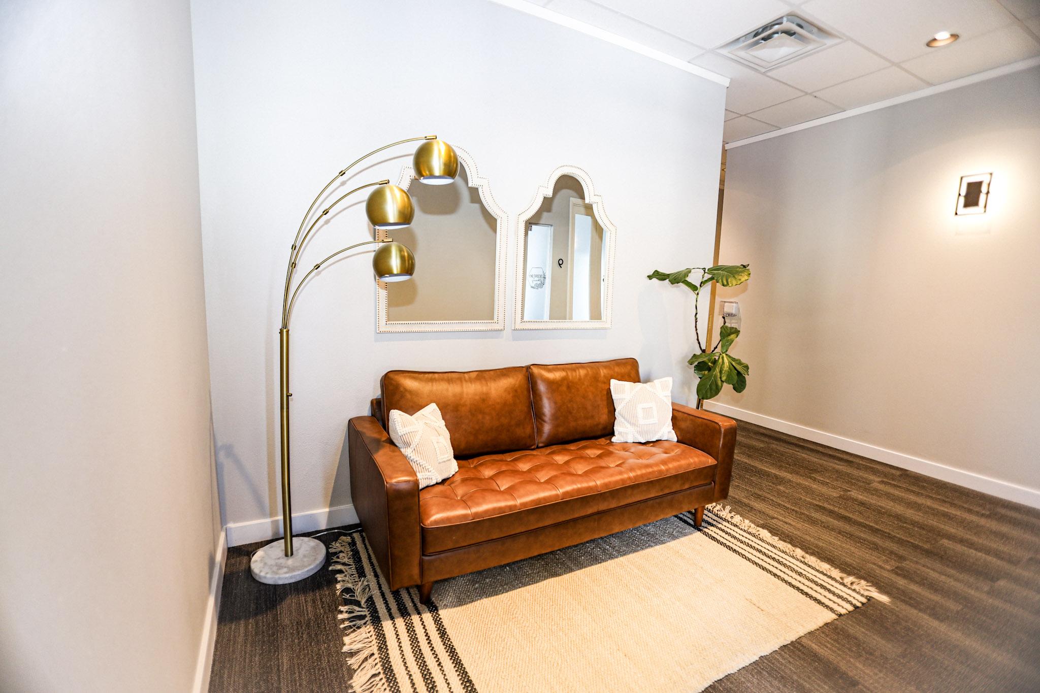 best salon suites for rent mesa